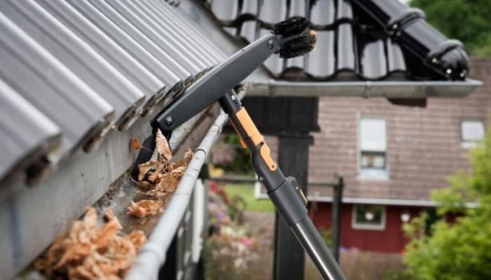 Gutter Cleaning Tools UK- (Extendable Cleaner)