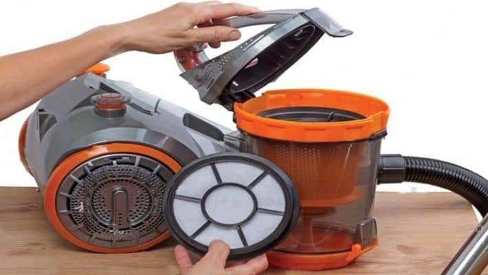 Clean The Vacuum Parts
