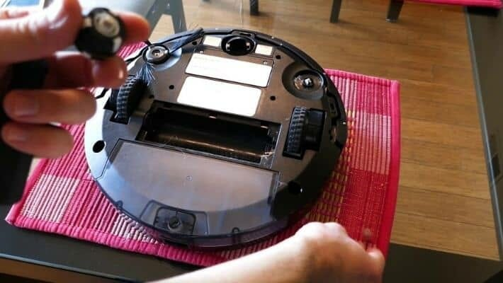 How To Clean Robot Vacuum Cleaner?